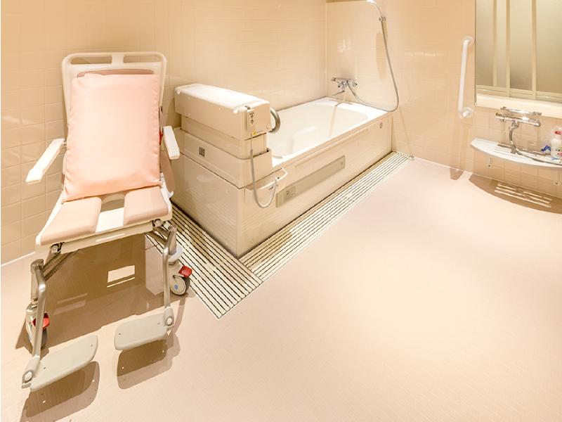 リフト付き浴槽
